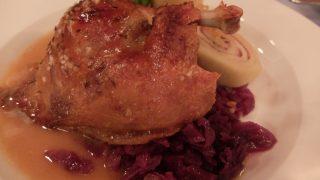 プラハ名物鴨料理をチェコ郷土料理レストランで食べる;U Modre Kachnicky II@プラハ旧市街