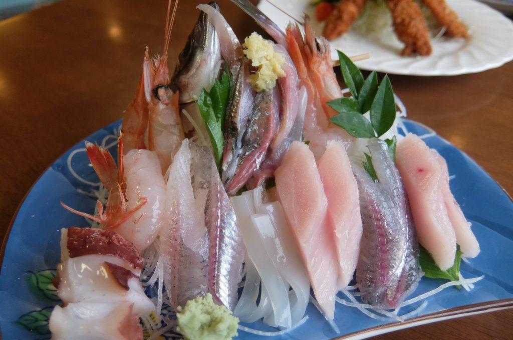 戸田魚清の刺身定食